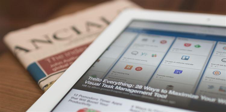 writing-ipad-technology-newspaper-internet-money-82689-pxhere.com